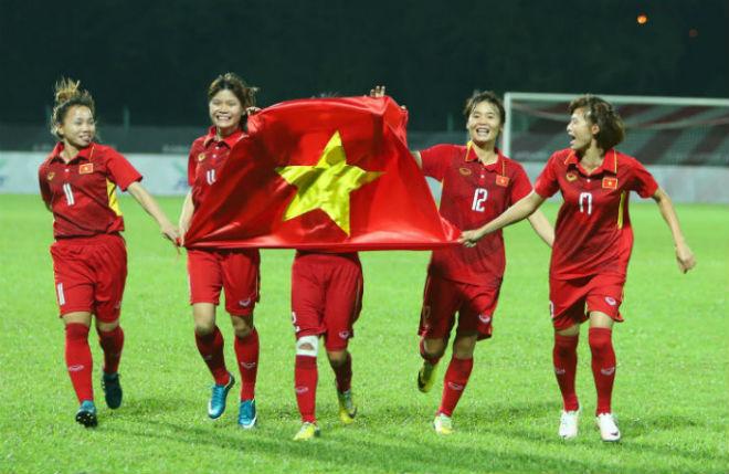 Tết đủ đầy của các cô gái vàng bóng đá Việt Nam - 1