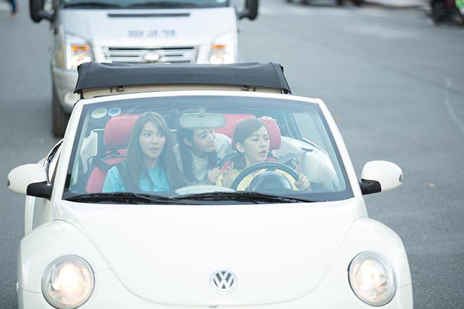 Bộ 3 mỹ nhân châu Á lái xe mui trần thăm Sài Gòn - hình ảnh 3