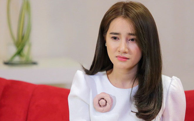 Nhã Phương xin lỗi BTC Mai Vàng vì màn cầu hôn chiếm sóng của Trường Giang - hình ảnh 1