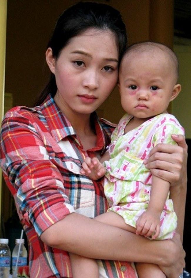 Mỹ nhân Việt khác lạ với mặt mộc không son phấn - hình ảnh 9