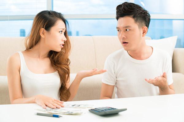 Cãi nhau tưng bừng vì vợ lo quà Tết bên nội bên ngoại… như nhau - hình ảnh 1