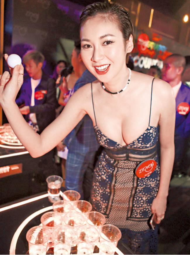 """Bị fan rủ """"qua đêm"""" 300 triệu đồng, mỹ nữ họ Trang làm ngay điều này - hình ảnh 14"""