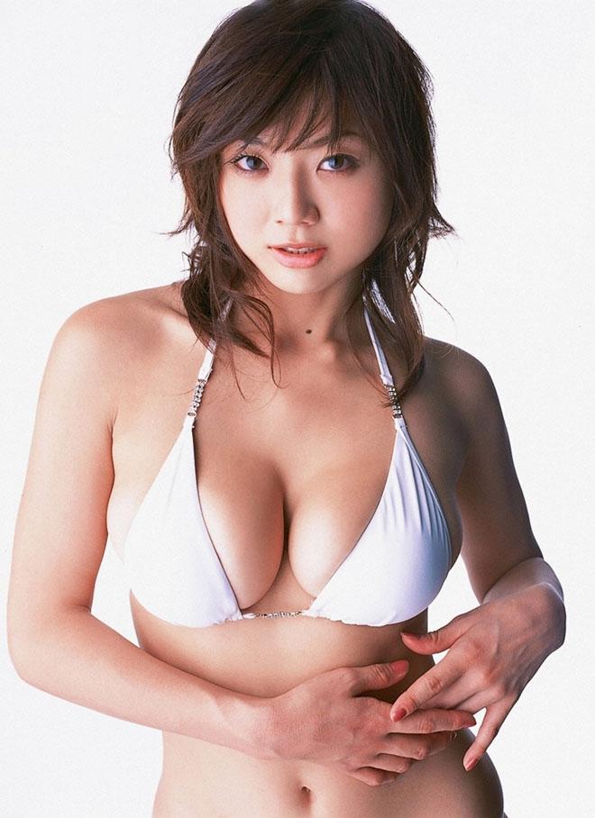 """Vẻ """"phồn thực"""" của mẫu nữ tuổi Tuất khiến đàn ông Nhật si mê - hình ảnh 1"""