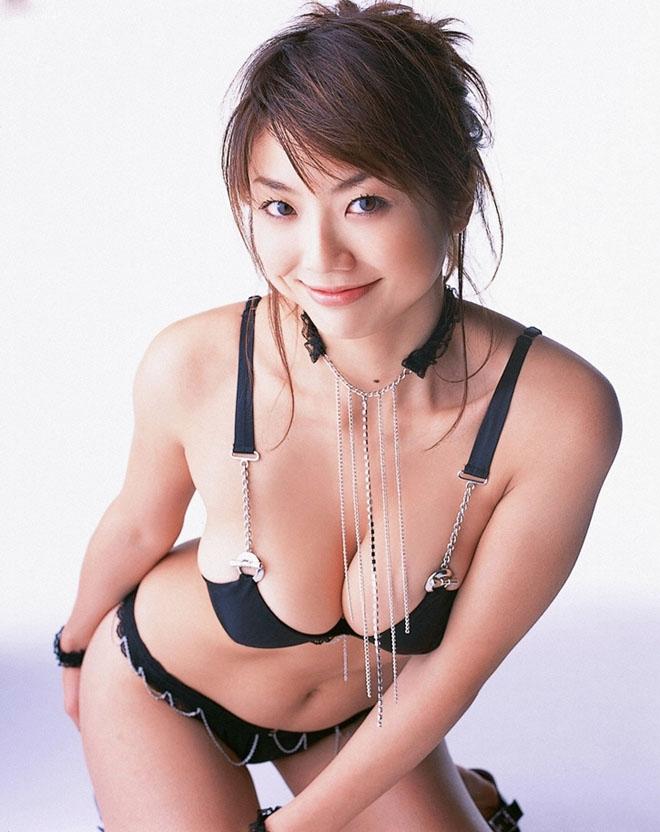 """Vẻ """"phồn thực"""" của mẫu nữ tuổi Tuất khiến đàn ông Nhật si mê - hình ảnh 2"""