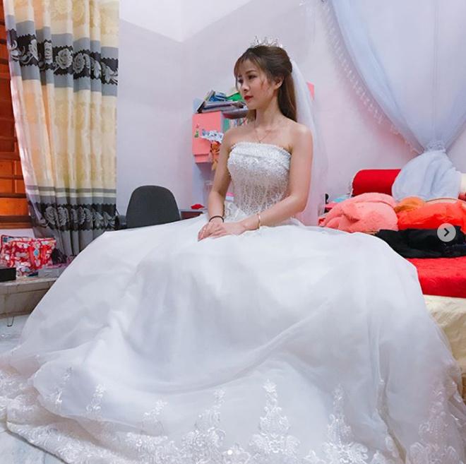 """""""Crying girl"""" Nhật Lệ bất ngờ lên xe hoa về nhà chồng - hình ảnh 2"""