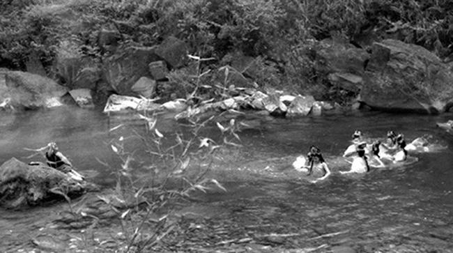 Hé lộ sự thật những cảnh tắm suối trong Tây Du Ký qua nhiều phiên bản - hình ảnh 6