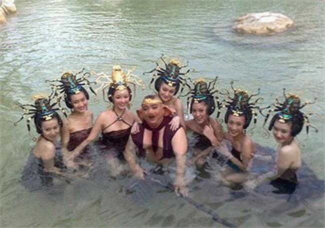 Hé lộ sự thật những cảnh tắm suối trong Tây Du Ký qua nhiều phiên bản - hình ảnh 14