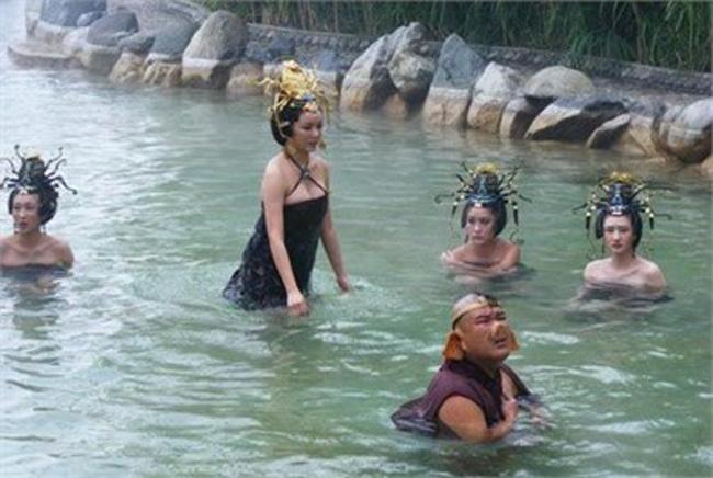 Hé lộ sự thật những cảnh tắm suối trong Tây Du Ký qua nhiều phiên bản - hình ảnh 15
