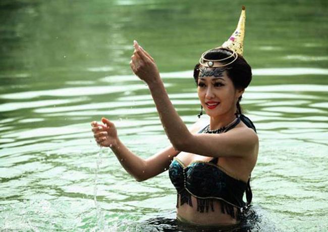 Hé lộ sự thật những cảnh tắm suối trong Tây Du Ký qua nhiều phiên bản - hình ảnh 21