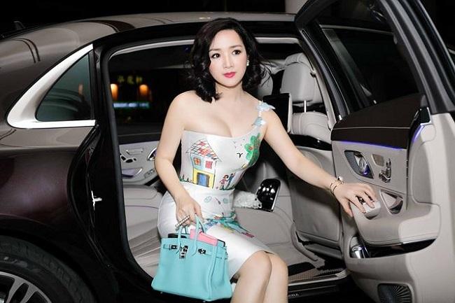 Thót tim với váy khoe vòng 1 của Mai Phương Thúy và sao Việt - hình ảnh 6