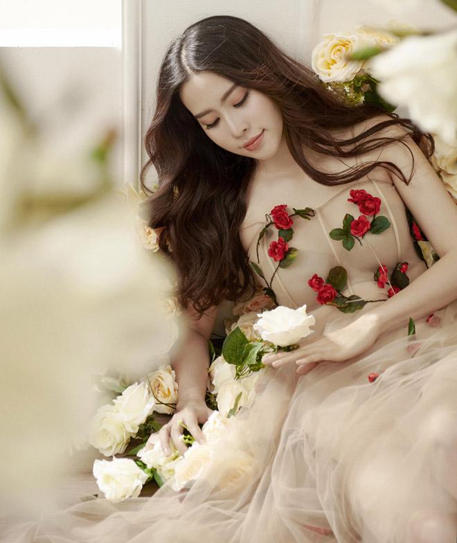 Hoa khôi Nam Em mặc mỏng manh như sương mai đón Tết Mậu Tuất - hình ảnh 3