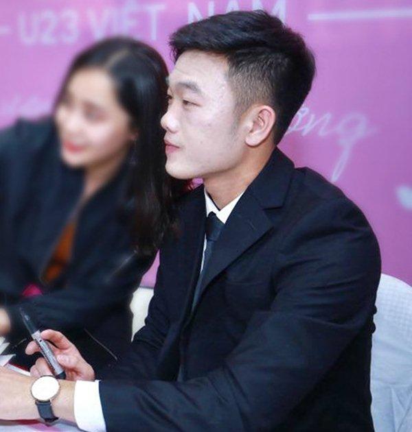 """Hốt hoảng với gương mặt """"đắp bột"""" của đội trưởng U23 VN Xuân Trường - hình ảnh 2"""