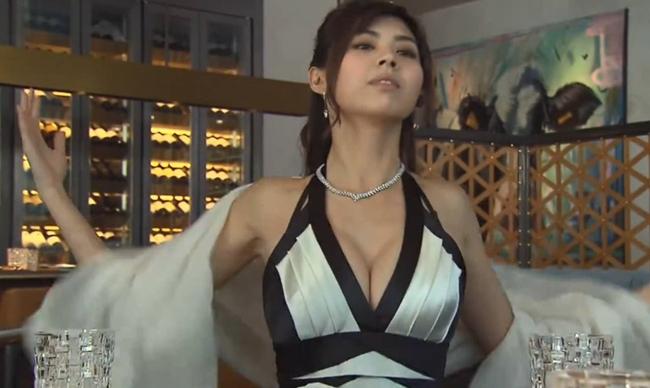 """Những siêu vòng 1 làm """"chao đảo"""" màn ảnh Hong Kong năm qua - hình ảnh 5"""