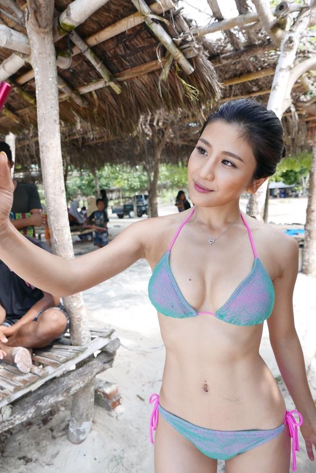 """Những siêu vòng 1 làm """"chao đảo"""" màn ảnh Hong Kong năm qua - hình ảnh 13"""