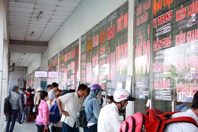 Người miền Tây rồng rắn rời Sài Gòn về quê đón Tết - hình ảnh 8