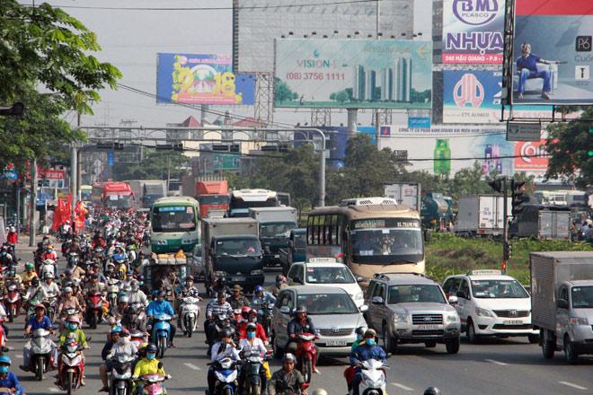 Người miền Tây rồng rắn rời Sài Gòn về quê đón Tết - hình ảnh 1