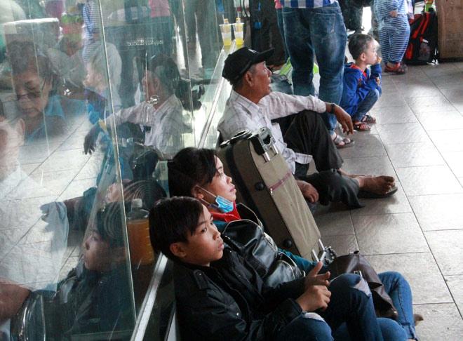 Người miền Tây rồng rắn rời Sài Gòn về quê đón Tết - hình ảnh 9