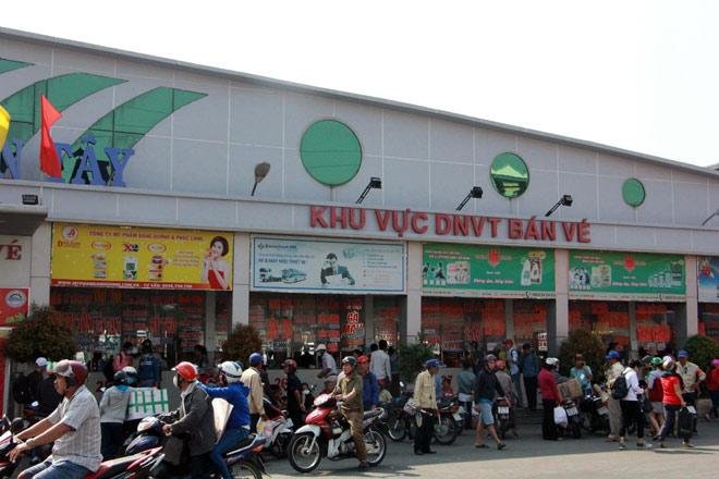 Người miền Tây rồng rắn rời Sài Gòn về quê đón Tết - hình ảnh 10