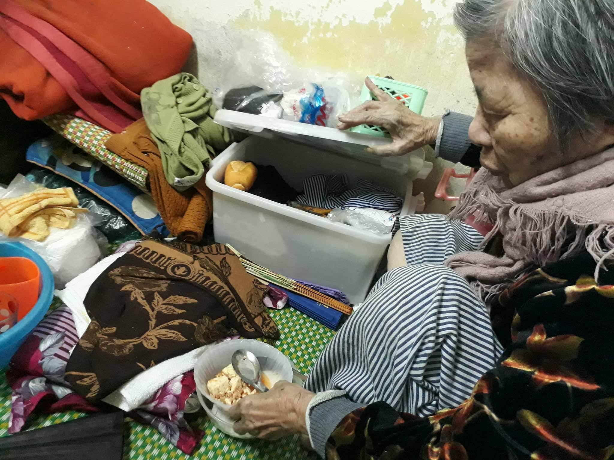 Ngày cận Tết của cụ bà gần 90 tuổi nuôi 2 con tâm thần giữa Thủ đô - hình ảnh 2