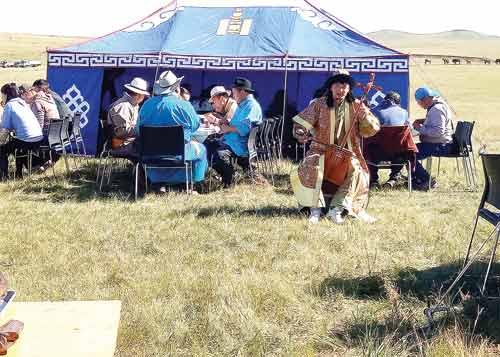 Khám phá Lễ hội đóng dấu ngựa ở quê hương Thành Cát Tư Hãn - 1