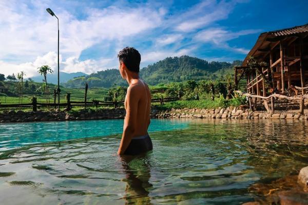 Tạm bỏ quên đời, thư giãn ở suối nước nóng đẹp quên lối về - hình ảnh 3