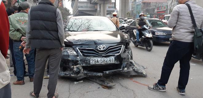 """""""Xe điên"""" gây tai nạn kinh hoàng trên đường Trần Phú chiều 28 Tết - hình ảnh 1"""