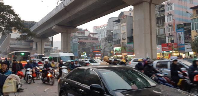 """""""Xe điên"""" gây tai nạn kinh hoàng trên đường Trần Phú chiều 28 Tết - hình ảnh 12"""