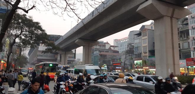 """""""Xe điên"""" gây tai nạn kinh hoàng trên đường Trần Phú chiều 28 Tết - hình ảnh 13"""