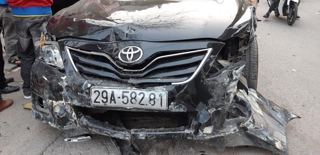 """""""Xe điên"""" gây tai nạn kinh hoàng trên đường Trần Phú chiều 28 Tết - hình ảnh 2"""