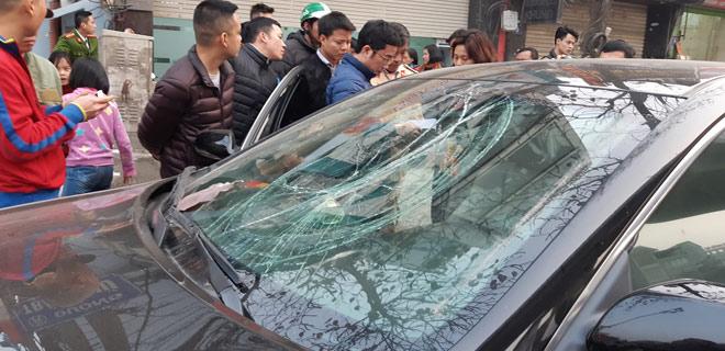 """""""Xe điên"""" gây tai nạn kinh hoàng trên đường Trần Phú chiều 28 Tết - hình ảnh 3"""