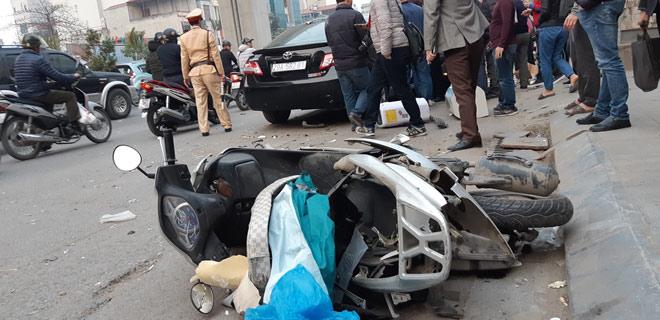 """""""Xe điên"""" gây tai nạn kinh hoàng trên đường Trần Phú chiều 28 Tết - hình ảnh 5"""