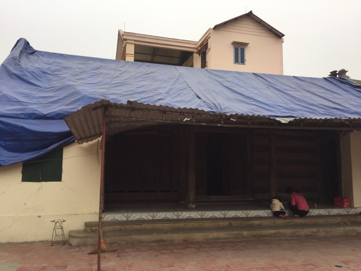Dân làng Quan Độ phủ bạt lên nóc nhà đón Tết sau vụ nổ rung chuyển Bắc Ninh - hình ảnh 6