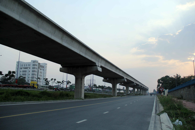 Đường cong uốn lượn của metro đầu tiên ở SG sau 6 năm thi công - hình ảnh 3