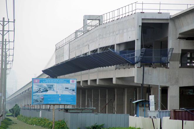 Đường cong uốn lượn của metro đầu tiên ở SG sau 6 năm thi công - hình ảnh 9