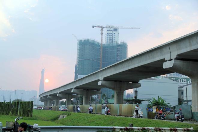 Đường cong uốn lượn của metro đầu tiên ở SG sau 6 năm thi công - hình ảnh 13