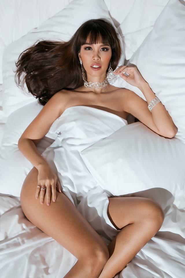 """Bầu 5 tháng, siêu mẫu Việt vẫn bán nude quá """"nóng"""" nhân Valentine! - hình ảnh 2"""