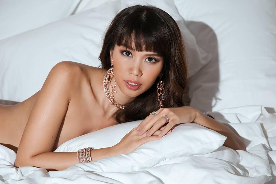 """Bầu 5 tháng, siêu mẫu Việt vẫn bán nude quá """"nóng"""" nhân Valentine! - hình ảnh 6"""