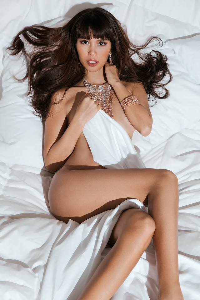 """Bầu 5 tháng, siêu mẫu Việt vẫn bán nude quá """"nóng"""" nhân Valentine! - hình ảnh 7"""