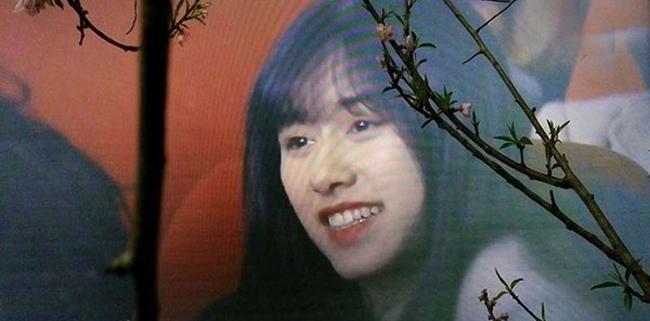 Vài giây xuất hiện trên sóng chương trình Táo quân 2018, Lê Nguyễn Diệp Anh (sinh năm 1996, sinh viên trường Học viện Tài chính, Hà Nội) trở thành tâm điểm chú ý của cộng đồng mạng.