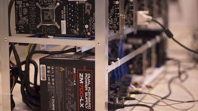 Cuộc sống bí mật của những sinh viên đào Bitcoin trong ký túc xá - 1
