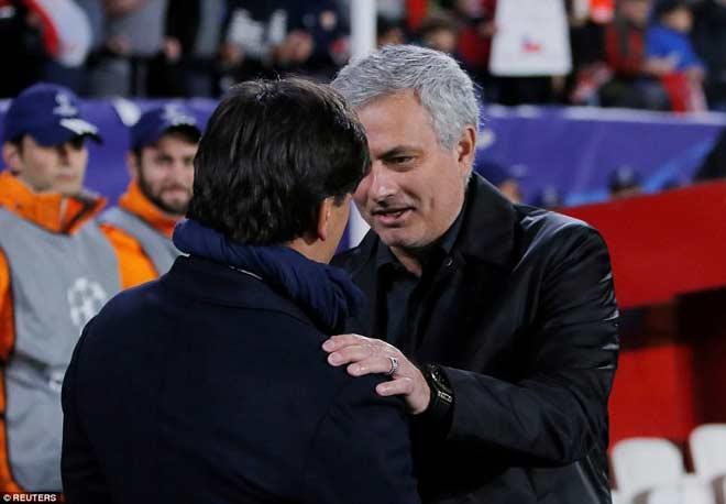 MU quá thực dụng trước Sevilla: Fan đay nghiến Mourinho, thương De Gea - 1