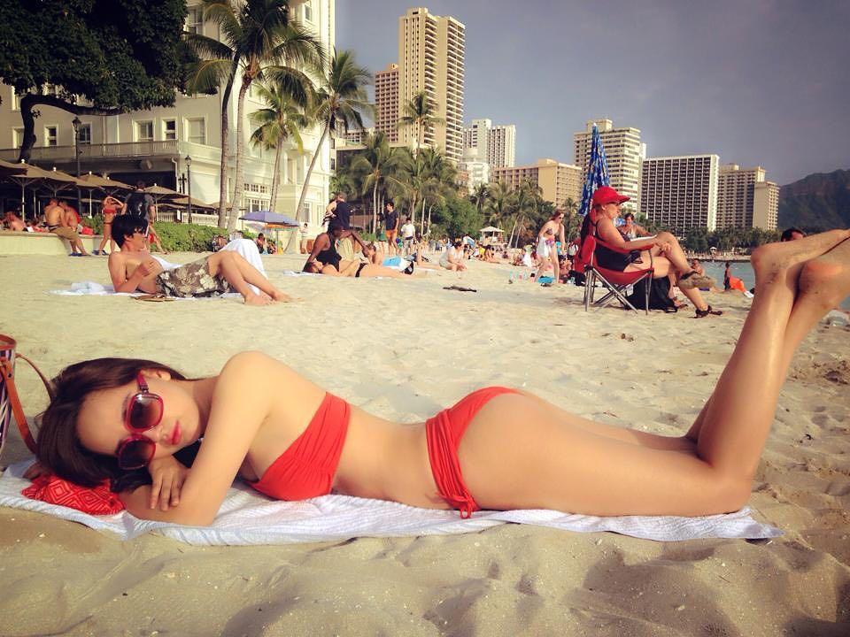 Mai Phương Thúy khoe lại ảnh bikini hot nhất trong suốt 11 năm làm hoa hậu - hình ảnh 1
