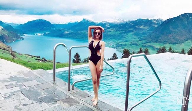 """Nhan sắc 10 phân vẹn 10 của 4 """"Nữ hoàng bikini"""" showbiz Việt - hình ảnh 9"""