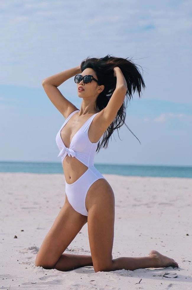 """Nhan sắc 10 phân vẹn 10 của 4 """"Nữ hoàng bikini"""" showbiz Việt - hình ảnh 11"""