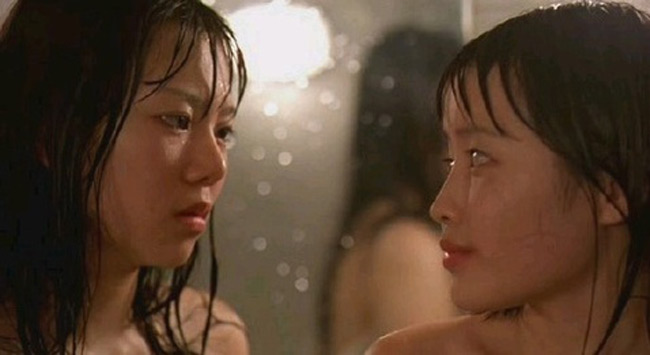 Đạo diễn chuyên gây sốc Kim Ki Duk của Hàn Quốc gây chú ý với bộ phim có nhiều cảnh sex trần trụi ra mắt tại LHP Berlin năm nay. Ông còn được khán giả nhớ đến với nhiều phim 18+ gây sốc không kém. Một trong số đó phải nhắc đến bộ phim Samaritan Girl.