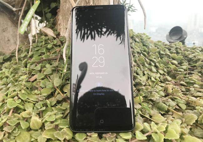 Sau những thành công rực rỡ từ Galaxy S8 với những bước cải tiến vượt bậc trong năm 2017, thì năm nay Samsung lại khiến các Samfan ngỡ ngàng với sự hiện diện của Galaxy S9 và Galaxy S9+.