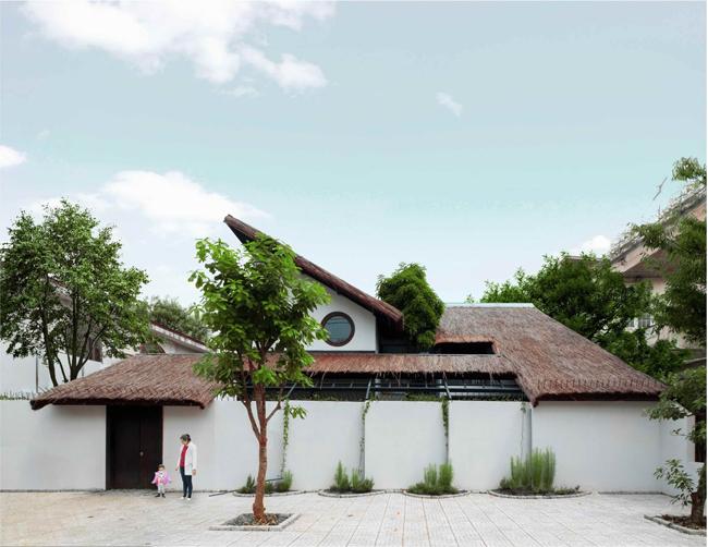Căn nhà được xây dựng trên mảnh đất rộng 800m2 ở thành phố Biên Hòa, tỉnh Đồng Nai.