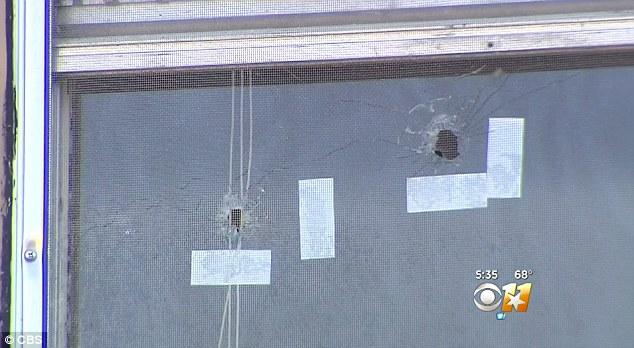 Mỹ: Ra cửa sổ xem ai làm ồn, lập tức bị bắn chết - 1