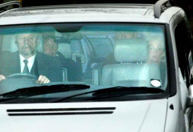 Bom tấn MU: Robben bí mật đến Carrington, Mourinho sửa sai cho Sir Alex - 1