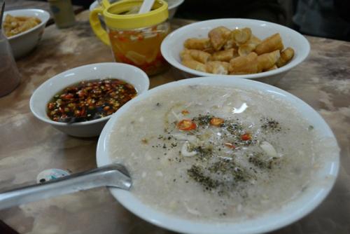 """Cháo cá Tích Nghi và thịt chuột Đình Bảng """"ngon quên sầu"""" ở hội Lim - 1"""